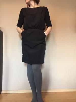 Cut out jurk zwart