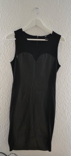 Kleines Schwarzes - sexy Kleid mit Lederimitat