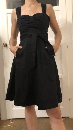Kleines Schwarzes Sommerkleid