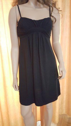 Kleines schwarzes Trägerkleid von H&M (Art Babydoll)