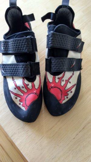 Zapatillas con velcro rojo
