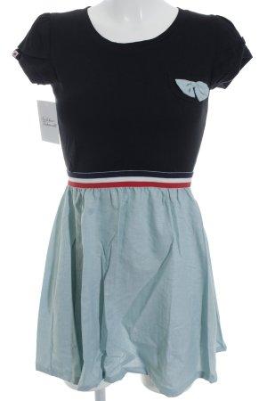 Kling Kurzarmkleid schwarz-hellgrün Blumenmuster Street-Fashion-Look