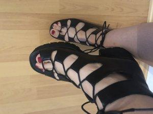 KMB Escarpins à lacets noir
