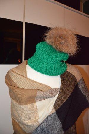 Chapeau en fourrure vert fourrure