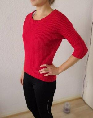 Knallroter Pullover
