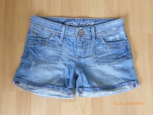 Knappe Shorts - Hot Pants aus Denim von edc by Esprit, Gr. 28