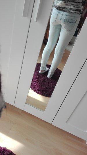 Knie zerrissene Jeans von Tally Weijl in 32