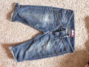 knielange Jeans