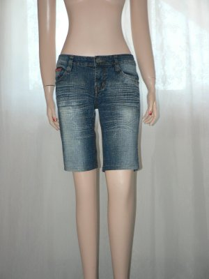 Knielange Jeansshorts