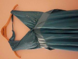 knielanges hellblaues Abendkleid