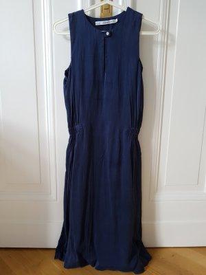 knielanges Kleid aus Seide in blau, Gr. 36, &other stories