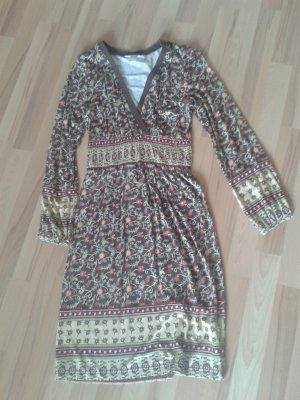 Knielanges Kleid mit Blümchenprint