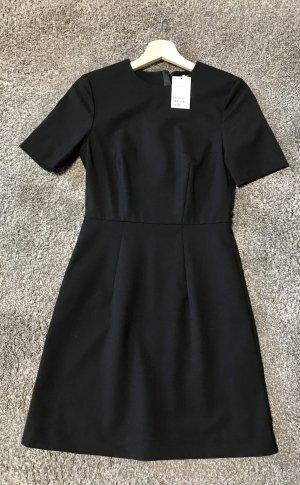 Knielanges Kleid, NEU