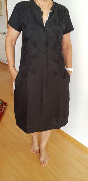 Knielanges Kleid von Le Safte Pettegole