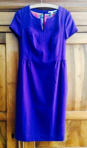 Knielanges, lilafarbenes Kleid