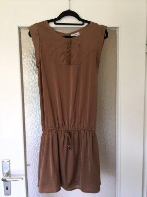 Knielanges süßes Kleid