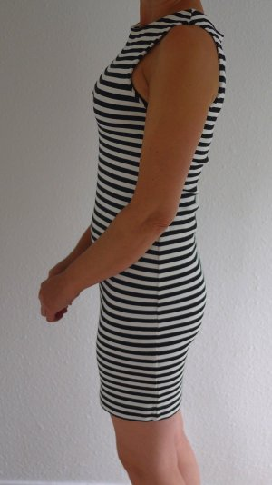 ZARAKNIT Gebreide jurk wit-zwart Viscose