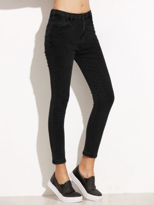Knöchel Jeans + kurzes Sweatshirt mit Druck