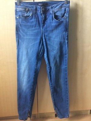 Knöchellange Dunkle Skinny Jeans von Zara