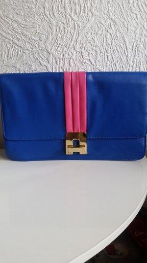 Königsblaue Clutch mit pinken Farbakzenten
