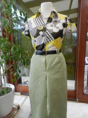 Kombi:  Cosma Hose, Gr.20 (=Gr.40 kurz) und bunte Bluse Gr.40