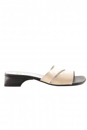 Sandalias cómodas nude-negro look casual