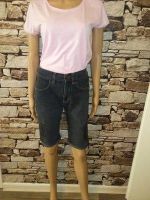 Kommen Sie stilvoll durch die Saison: mit der Jeans-Shorts von CINQUE