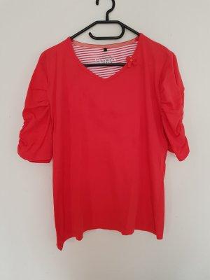 korallefarbenes T-Shirt