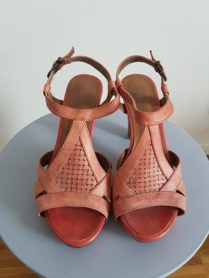 korallfarbene Sandaletten Tamaris Gr.38