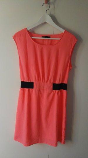 korallfarbenes Kleid