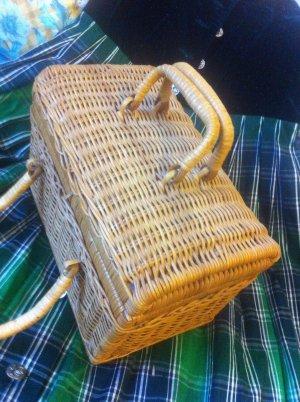 Korb-tasche Traditionell, zu Dirndl / Jeans auch!