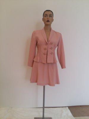 Traje para mujer rosa empolvado
