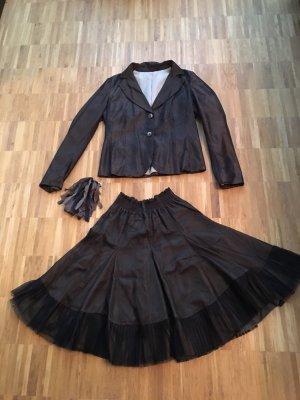 Tailleur brun foncé-noir
