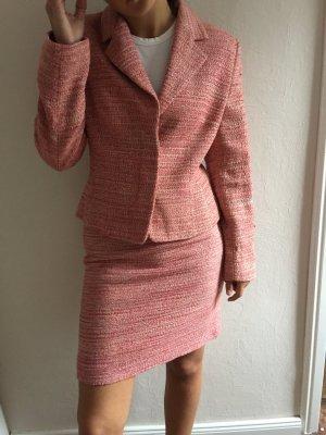 Tailleur rose-rosé