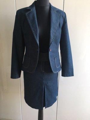 Kostüm aus Jeans Zara