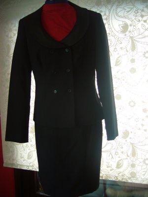 Kostüm mit extravagantem Ausschnitt schwarz Gr 38