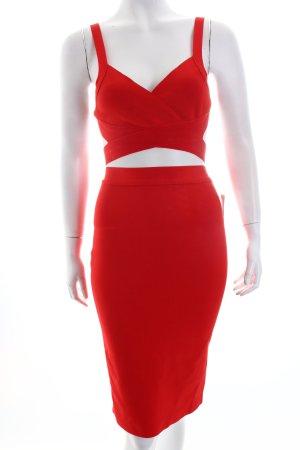 Kostüm rot extravaganter Stil