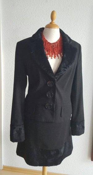 Kostüm schwarz in Größe 40