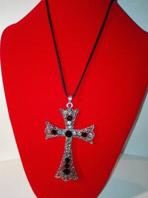 Kreuz-Kette mit schwarzen Schnur,verziert mit deko-steinen.