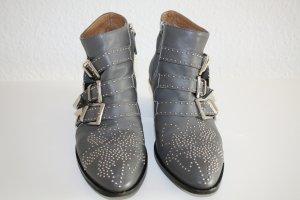 Kult Ancle Boots Susanna von Chloé, grau mit silberfarbenen Nieten, Gr.36