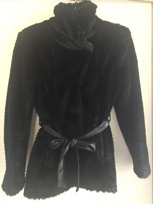 Kunstfell Jacke schwarz mit Gürtel