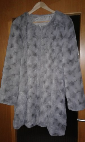 Cappotto in eco pelliccia argento-grigio chiaro