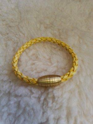 Kunstleder Armband mit Magnetverschluss in Goldgelb