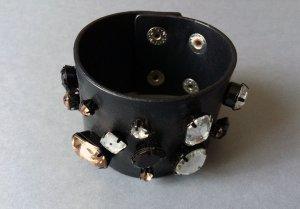 Kunstleder-Armband schwarz mit Steinen