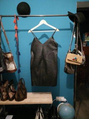 Kunstleder Kleid V-Ausschnitt vorne und am Rücken