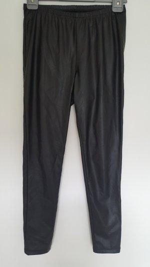 Kunstleder-Leggings in schwarz