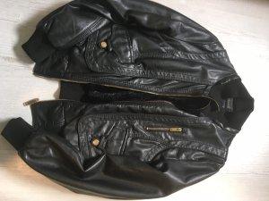 Kunstlederjacke schwarz mit Innenfutter