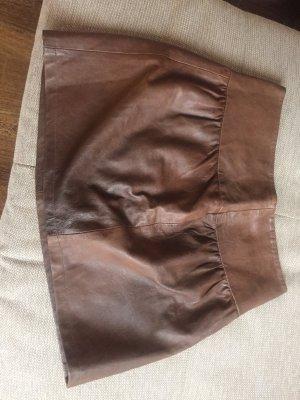 Falda acampanada marrón oscuro