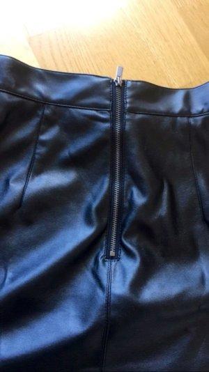 Kunstlederrock Benetton, schwarz xs