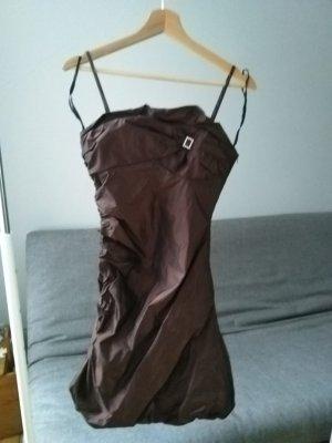 Kupferfarbenes, edles Kleid, mit Glitzerbrosche, Ballonkleid